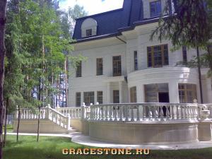 129 fasad-doma-v-kamne